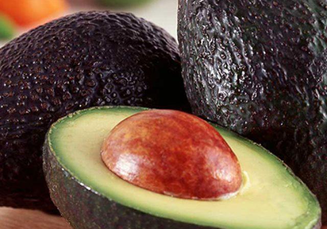 Comer abacate todo dia diminui colesterol ruim