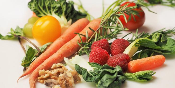 Ajuda a Absorver Nutrientes de Outros Alimentos