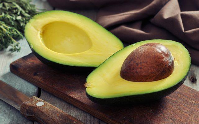 Farofa nutritiva com semente de abacate