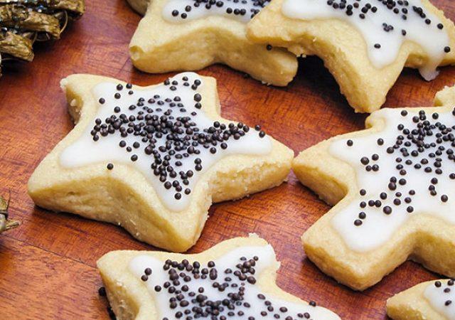 Biscoitos amanteigados com cobertura de limão