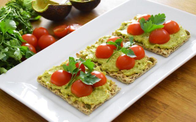 "Patê de abacate ""Guacamole"" simples"