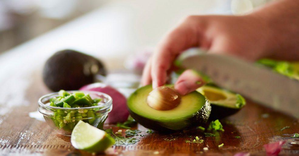 Abacate: porquê comer um por dia