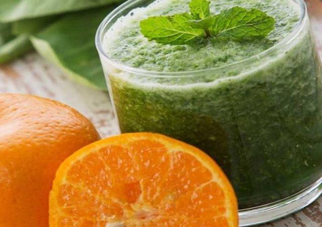 Suco detox rápido com couve, laranja e limão