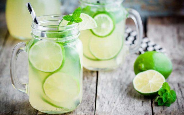 Água saborizada com limão: o segredo para uma vida saudável