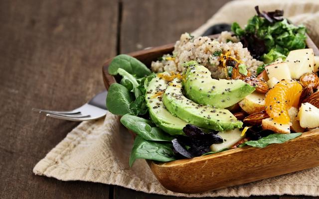 Salada mista com Abacate e Tangerina
