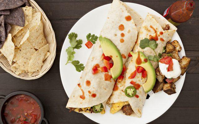 Burrito low carb de frango e abacate