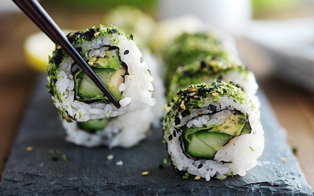 Sushi de Abacate e Pepino