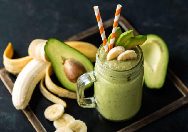 Smoothie de abacate com banana