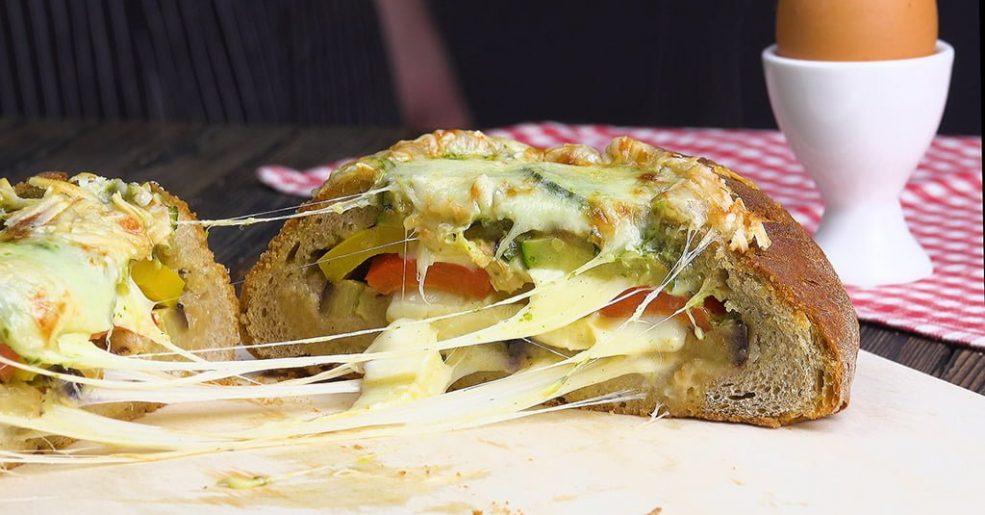 Pão recheado com Abacate