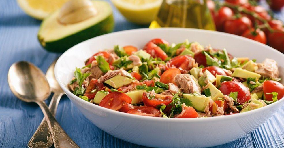 Salada Abacate com Atum e Tomate