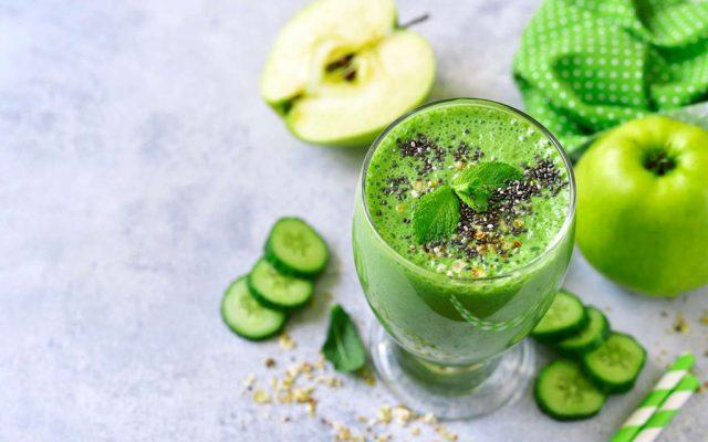 Suco Verde detox de Couve com Limão