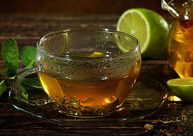 8 benefícios do chá de limão